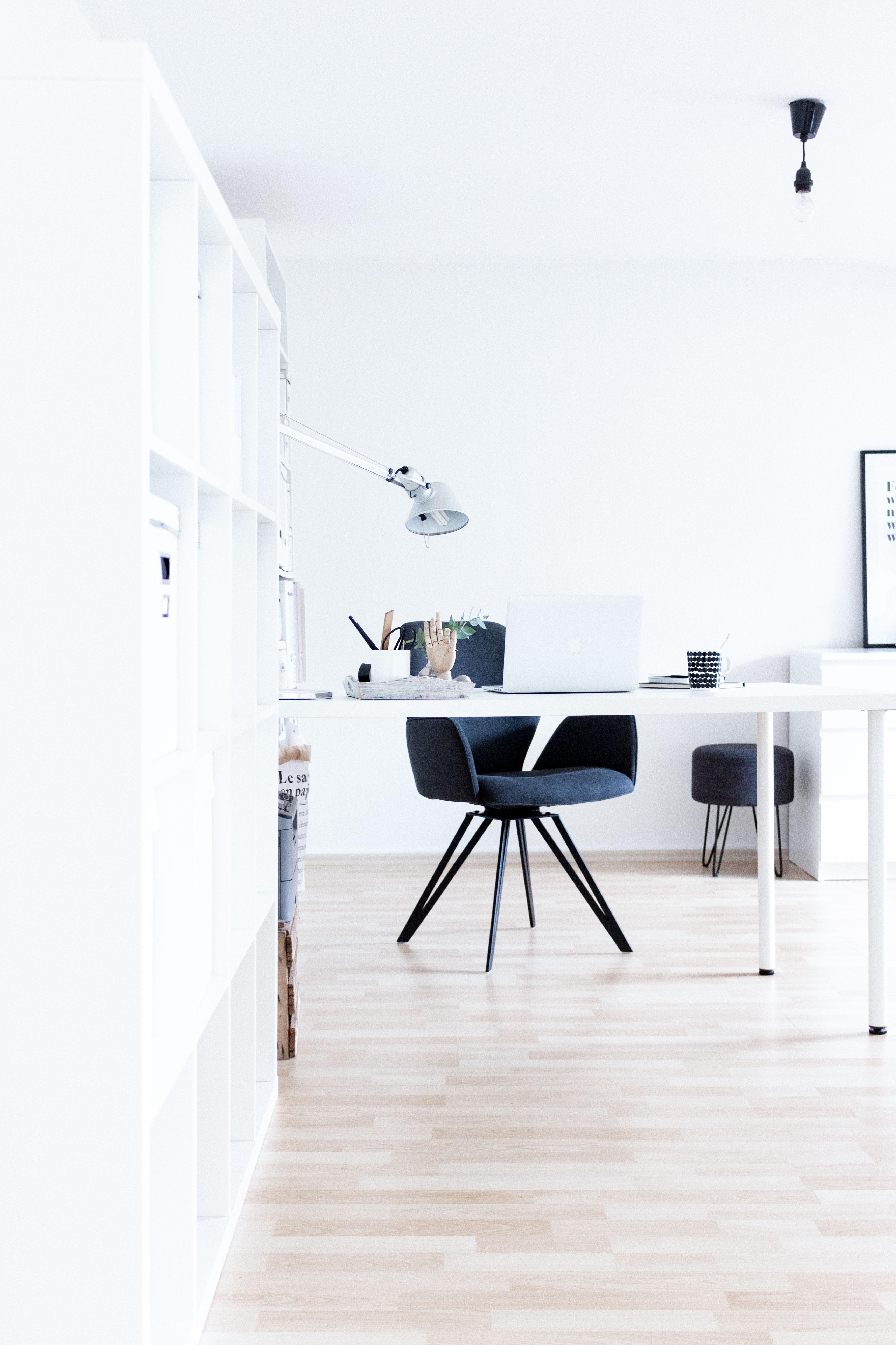 Interior Home Office Update Mit Einem Bequemen Stuhl Von Manuu Mobel Scandi Inspiration