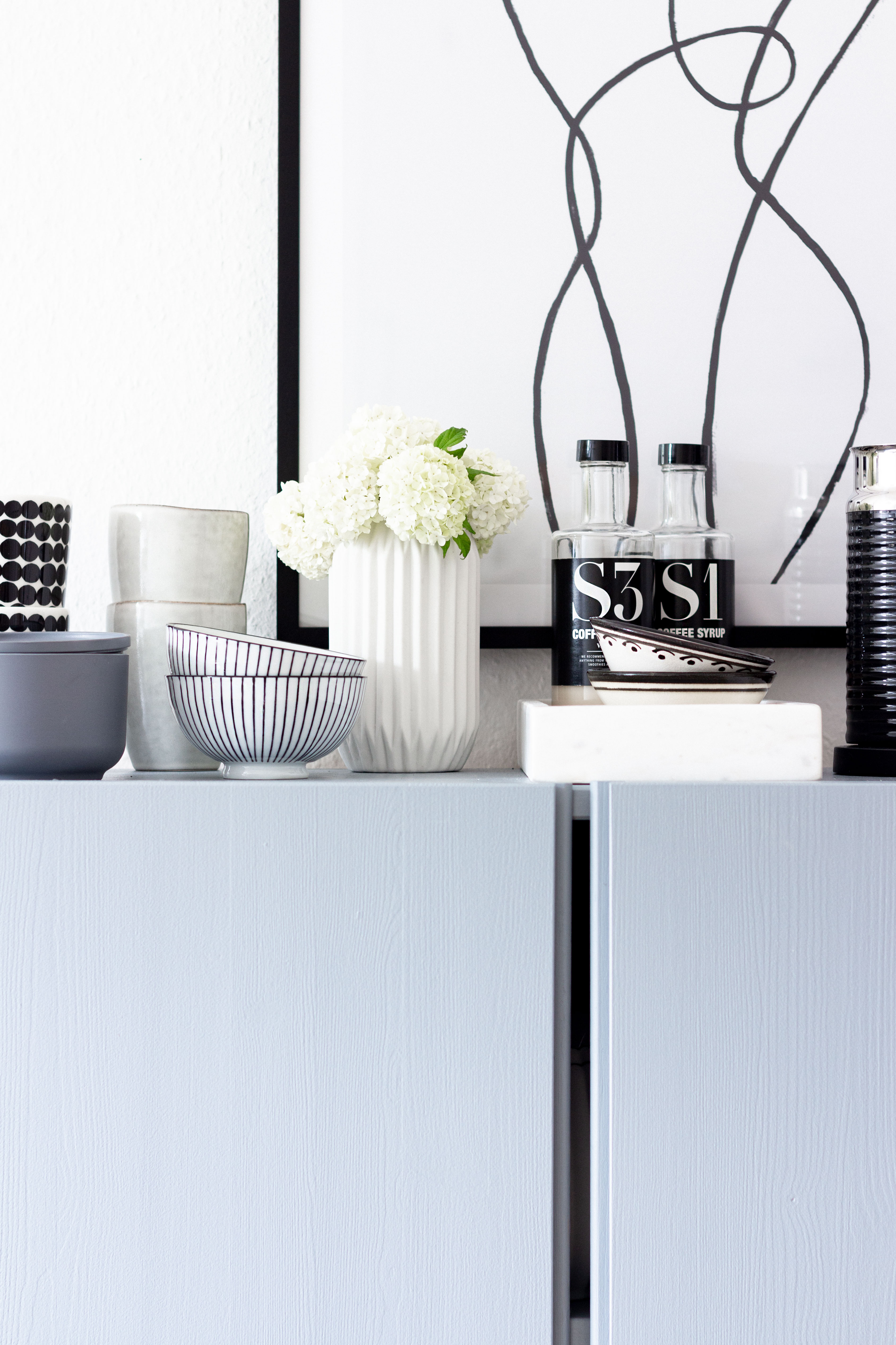 DIY | Schrank Ivar von Ikea lackieren | www.scandiinspiration.com