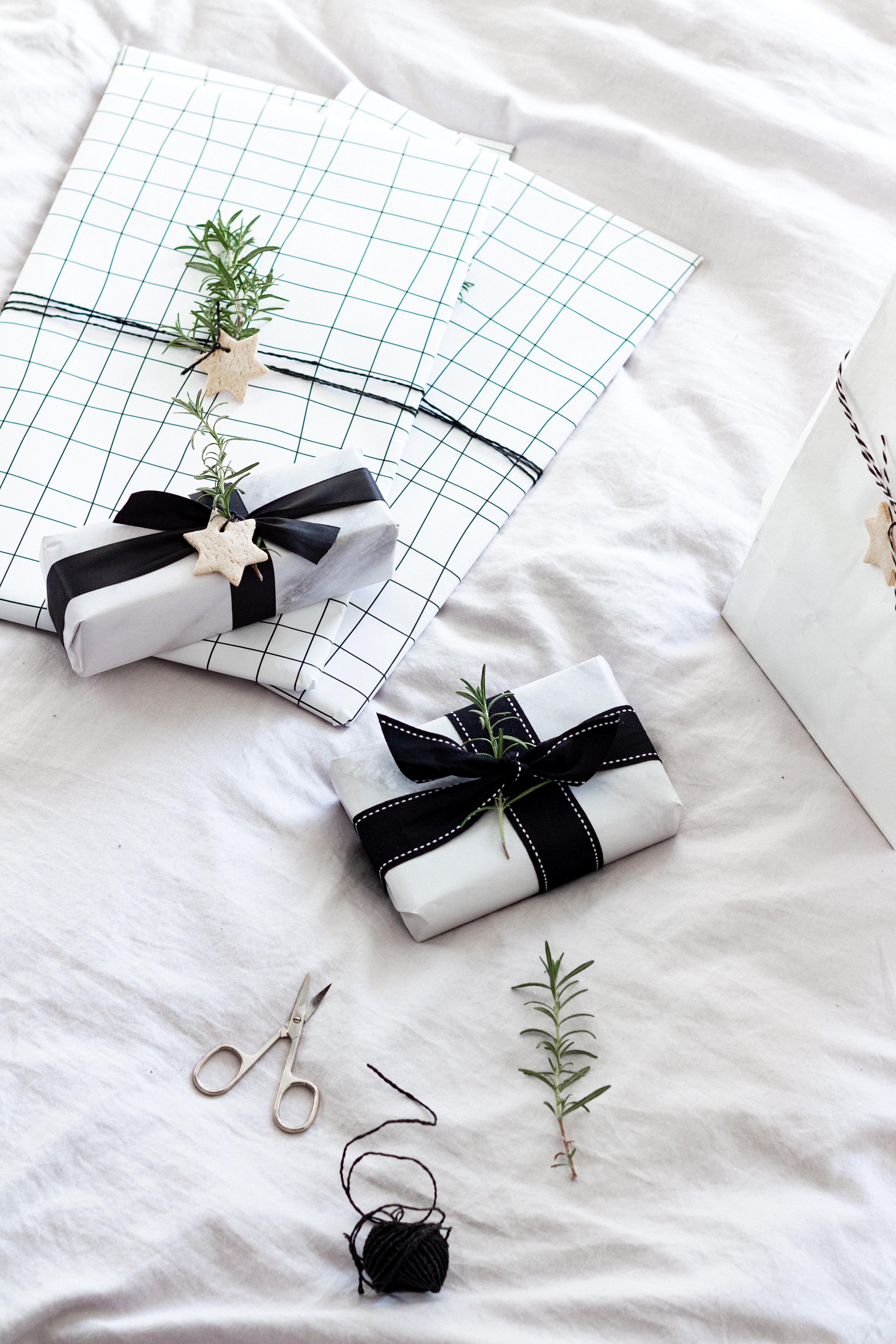DIY | Geschenke einpacken zu Weihnachten 2019 | www.scandiinspiration.com