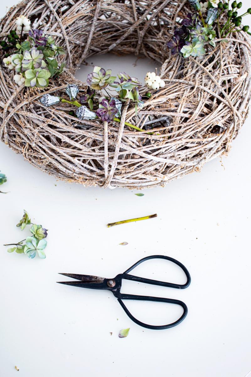 DIY | Herbstkranz mit getrockneter Hortensie | www.scandiinspiration.com